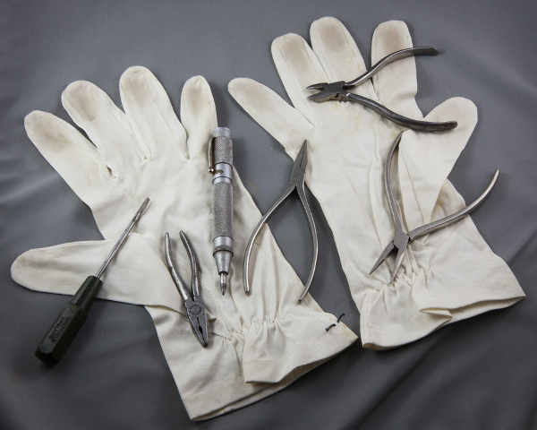 13 - 16.whistleblower_scientists gloves_WEB.jpg